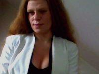 Nu live hete webcamsex met Hollandse amateur  jennifer23?